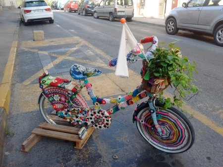 guerilla knitting bike